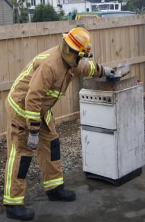 Using a pot lid